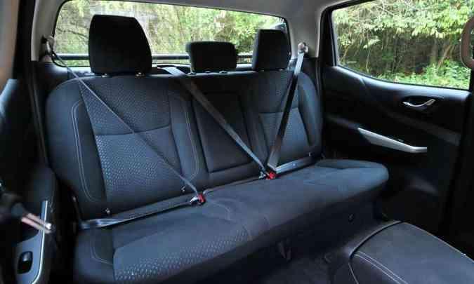 Assento traseiro é curto e baixo, causando desconforto em viagens mais longas(foto: Gladyston Rodrigues/EM/D.A Press)
