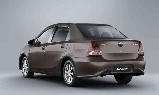 ...enquanto o sedã emplacou 5.308 unidades de janeiro a dezembro(foto: Toyota/Divulgação)