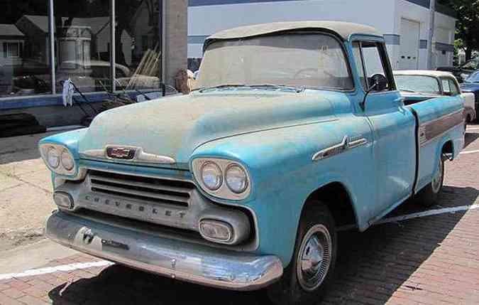 Graças ao excelente estado, picape Cameo 1958 teve o lance mais caro: US$ 140 mil(foto: Van der Brink/Divulgação )