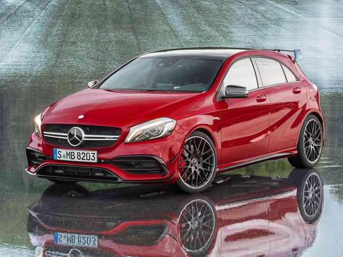 Mercedes-Benz revelou o A45 AMG 2016. Carro recebeu um facelift e apresenta algumas mudanças no design e na motorizaçãoNetCarShow/ Mercedes-Benz/ Divulgação