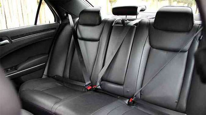 Apesar de muito espaçoso, assento traseiro não tem regulagens