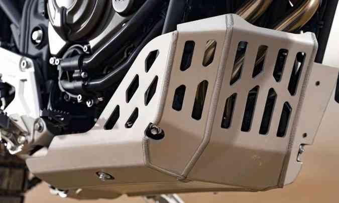 Motor, radiador e o cobre corrente contam com protetores(foto: Yamaha/Divulgação)