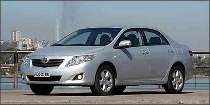 Designers da Toyota passaram temporada em Turim buscando inspiração para renovar as linhas do Corolla, que tem visual agradável em todos os ângulos(foto: Fotos: Marlos Ney Vidal/EM/D.A Press - 30/07/2009 )