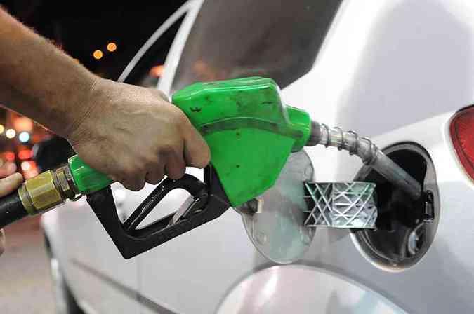 Principais irregularidades encontradas nas fiscalizações foram o percentual de etanol anidro fora dos 27%(foto: Gladyston Rodrigues/EM/D.A Press)