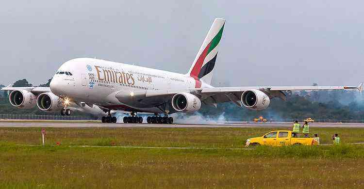 A380 pousa em Guarulhos e até o pessoal de terra parou para ver - Rodrigo Cozzato/GRU Airport/Divulgação