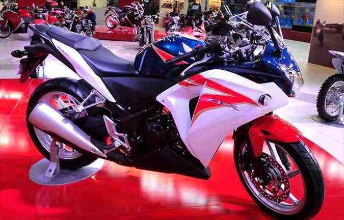 A Honda CBR 250R é a aposta da montadora para o mercado de pequenas esportivas