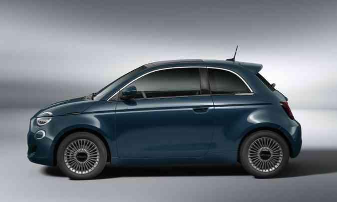 O modelo cresceu 61mm no comprimento e 22mm na distância entre-eixos(foto: Fiat/Divulgação)