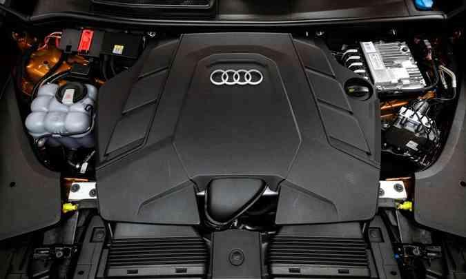 Motor V6 3.0 TFSI desenvolve 340cv e 51kgfm de torque, garantindo bom desempenho(foto: Chris Castanho/Audi/Divulgação)