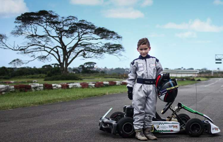 Lucas Pontual treina kart desde março deste ano, após apenas uma demonstração - Marlon Diego / Esp DP