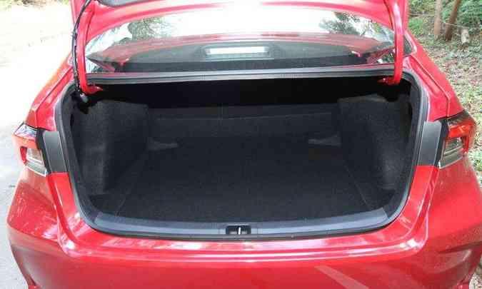 Porta-malas tem 470 litros de capacidade(foto: Jair Amaral/EM/D.A Press)
