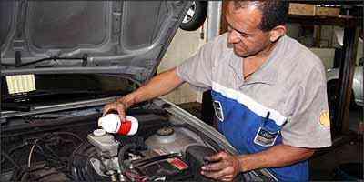 Não é necessário abrir o reservatório para verificar o nível do fluido - Marlos Ney Vidal/EM - 23/11/05