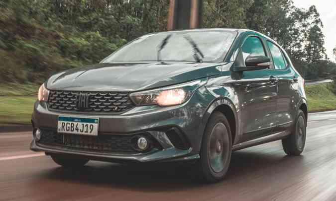 O Fiat Argo vem crescendo no segmento dos hatches premium, principalmente depois da interrupção da produção do Chevrolet Onix(foto: Jorge Lopes/EM/D.A Press)