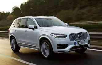 Volvo oferece o D5 em duas opções: Momentum e Inscription (foto: Volvo/Divulgação)