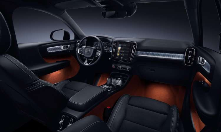 O interior tem acabamento sofisticado e painel com tela digital de 12,3 polegadas e display central com tela tátil - Volvo/Divulgação