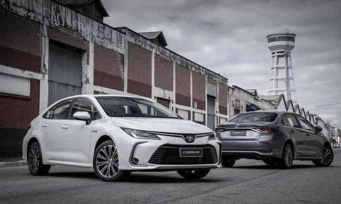 Produzido na fábrica de Indaiatuba (SP), o Toyota Corolla lidera o segmento de sedãs médios com 55,49% de participação(foto: Toyota/Divulgação)