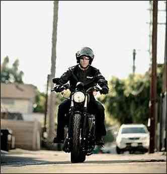O guidão é mais baixo e plano(foto: Harley-Davidson/Divulgação)