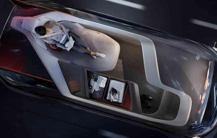 Graças ao sistema autônomo, maiores comodidades estarão disponíveis à bordo. Foto: Volvo / Divulgação -