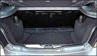 Porta-malas tem novo bagagito e rede para pequenos objetos