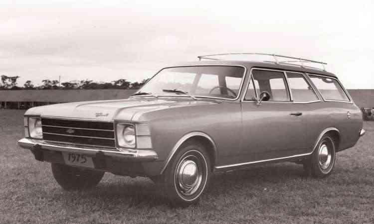 A perua Caravan foi lançada em 1975, junto com uma reestilização mais profunda - Chevrolet/Divulgação