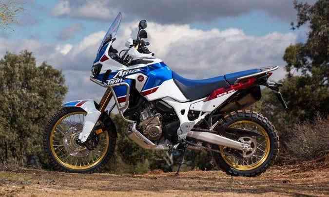 O motor de dois cilindros paralelos ganhou mais potência e torque(foto: Caio Mattos/Honda/Divulgação)