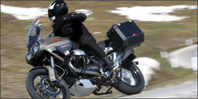 Para-brisa e o banco podem ser regulados - Moto Guzzi/Divulgação