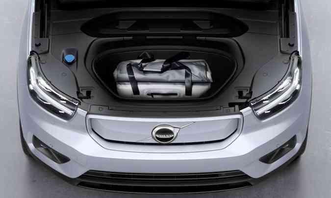 Modelo tem um pequeno compartimento de carga na frente, com 30 litros de volume(foto: Volvo/Divulgação)