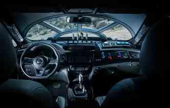 Interior do Rogue Star Wars chama a atenção pela semelhança com o cockpit da nave Millennium Falcon. Foto: Nissan / Divulgação