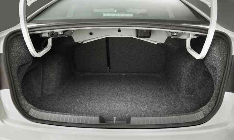 O porta-malas tem bom volume, com seus 510 litros de capacidade - Pedro Danthas/Volkswagen/Divulgação