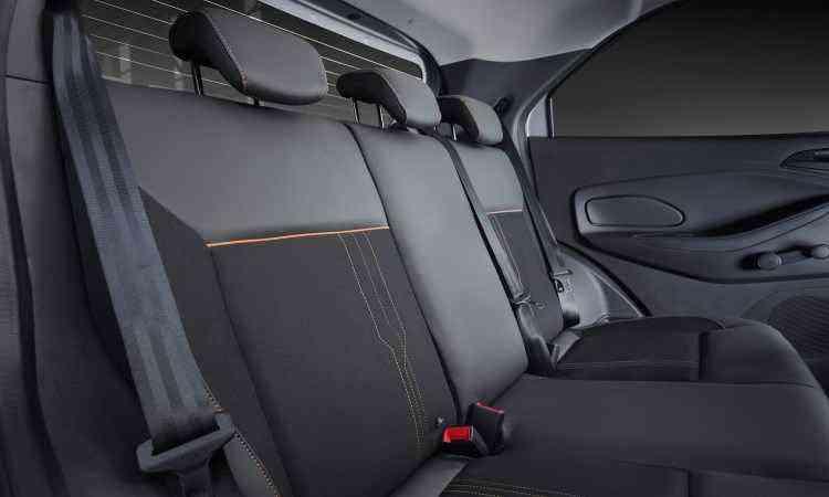 No banco de trás, apoios de cabeça e cintos de três pontos para todos os passageiros - Ford/Divulgação