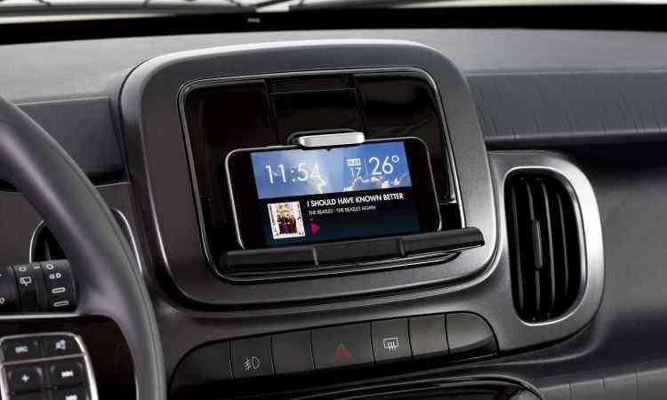 Fiat Live On transforma smartphone em tela multimídia, com aplicativo disponível a partir de junho - Fiat/Divulgação