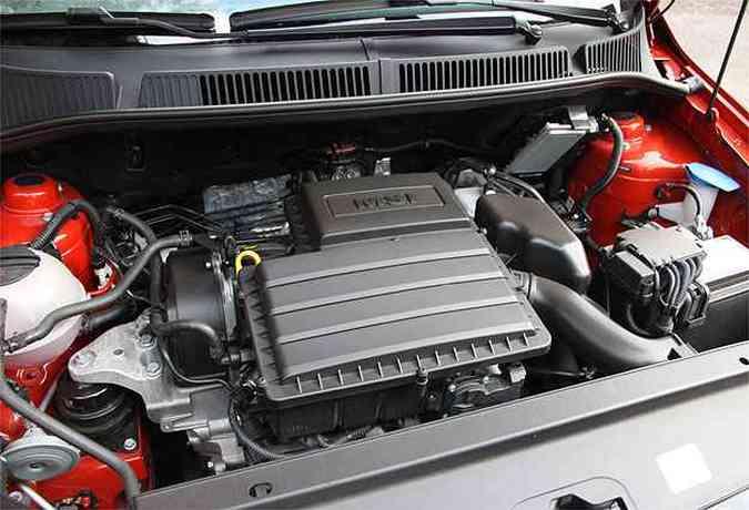 Motor 1.6 derivado do 1.0 três cilindros é ponto alto do carro(foto: Marlos Ney Vidal/EM/D.A Press)