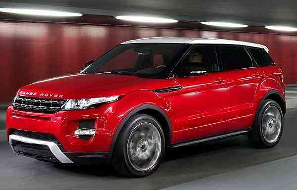 Motor do veículo ainda é o 2.0 de quatro cilindros com 240 cv de potência - Land Rover/divulgação