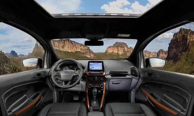 Interior tem elementos de plástico em laranja(foto: Ford/Divulgação)