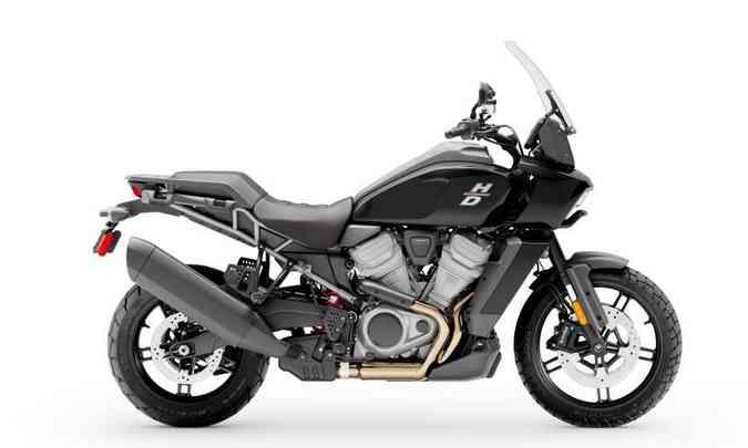 O propulsor é parte estrutural do quadro, ajudando a reduzir o peso, que na Standard é de 228 quilos(foto: Harley-Davidson/Divulgação)