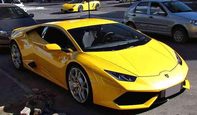 Lamborghini Huracán LP610-4 é flagrado em Itaúna: IPVA de R$ 60.623,19 em 2016(foto: Igor Herculano/Itaúna Super Carros/Divulgação - Supercarros esportivos e de luxo de Itauna, na regiao centro-oeste de Minas. .)
