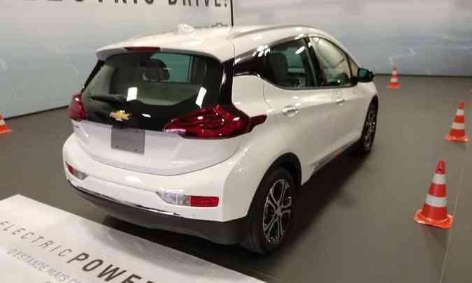 Chevrolet Bolt EV desenvolve 200cv de potência, com 380 quilômetros de autonomia(foto: Pedro Cerqueira/EM/D.A Press)