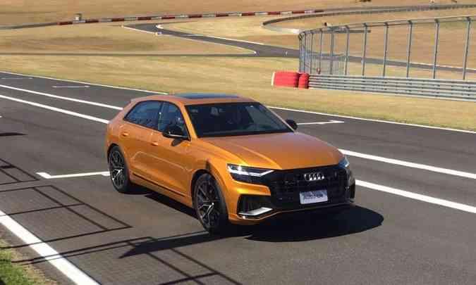 O Audi Q8 tem quase 5m de comprimento e impressiona pelas formas robustas(foto: Enio Greco/EM/D.A Press)