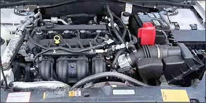 Duas opções de motor: 2.5 - 173 cv - e 3.0 V6 - 243 cv