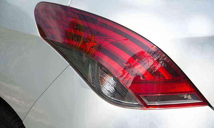 Lanternas traseiras com luzes de LED - Thiago Ventura/EM/D.A Press