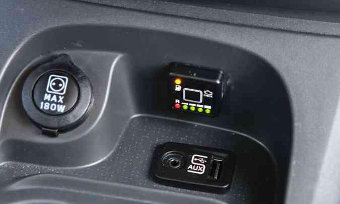 No console, a chave comutadora permite desativar o uso do Gás Natural Veicular (GNV)(foto: Gladyston Rodrigues/EM/D.A Press)