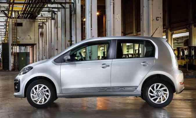 A versão Connect deixa de ser série especial e traz rodas de liga leve de 15 polegadas(foto: Pedro Danthas/Volkswagen/Divulgação)