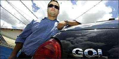 Mesmo com carro zero, Davi Ferreira não se livrou das constantes idas e vindas aos concessionários - Euler Júnior/EM - 7/12/06