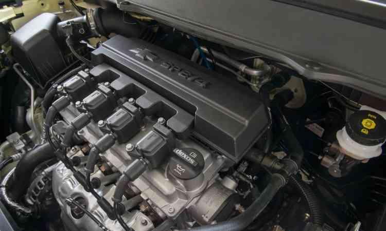 O motor 1.8 tem potência máxima de 111cv com etanol. O modelo merecia algo melhor - Chevrolet/Divulgação