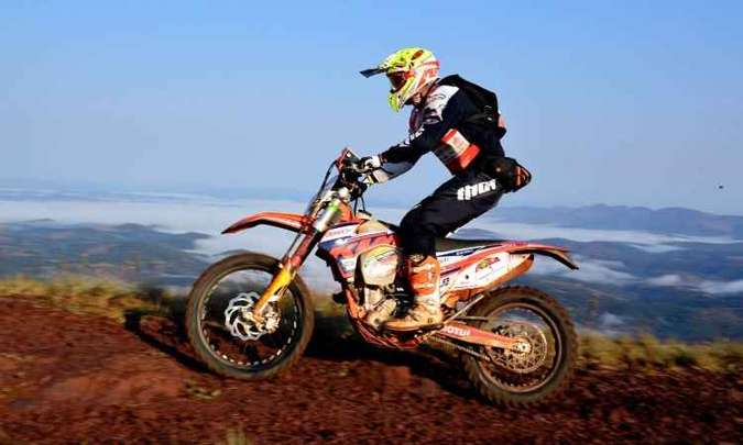 As motocicletas são exigidas, assim como os pilotos(foto: Janjão Santiago/Y. Sports/Divulgação)