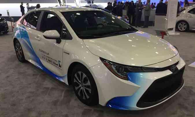 O Corolla híbrido vendido nos Estados Unidos tem motor 1.8 a gasolina e outro elétrico, que somam 122cv(foto: Enio Greco/EM/D.A Press)