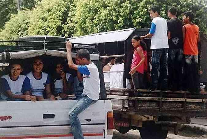 Flagrante no Nordeste: até hoje não há legislação para transporte coletivo de crianças(foto: Thiago Ventura/EM/D.A Press - 16/04/2009)