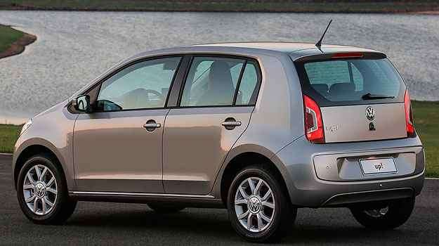 High Up é a opção intermediária, com rodas de liga e sensor de estacionamento - Volkswagen/Divulgação