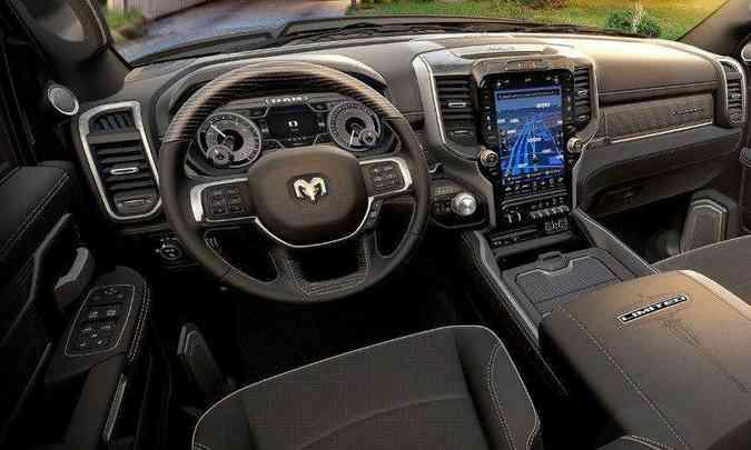 O interior da Ram 3500 traz sofisticação e muita tecnologia, além de conforto para os ocupantes(foto: Ram/Divulgação)