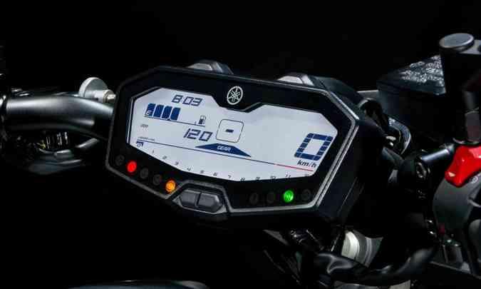 O painel digital tem computador de bordo(foto: Gustavo Epifânio/Yamaha/Divulgação)