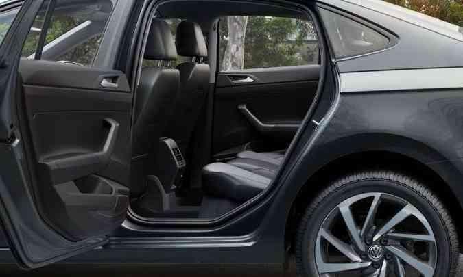 Com 13cm a mais de entre-eixos, não falta espaço e nem conforto no Virtus(foto: Volkswagen/Divulgação)